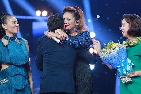 Gia canh ngheo kho khong ngo cua quan quan Vietnam Idol nguoi Philippines - Anh 1