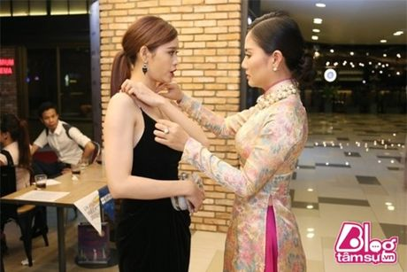 Khoe vong 1 cang day, Truong Quynh Anh khong it lan gap 'su co' - Anh 6