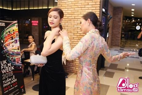 Khoe vong 1 cang day, Truong Quynh Anh khong it lan gap 'su co' - Anh 7