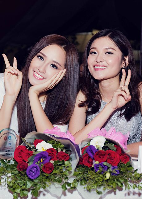 Mai Phuong Thuy tu tin do sac cung A hau Thuy Dung - Anh 2