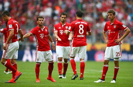 Bundesliga vong 6: Bayern hoa soc, Dortmund thua soc hon - Anh 1