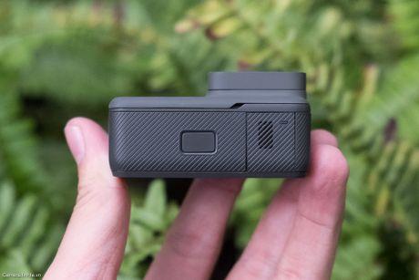 Tren tay GoPro HERO5 Black: Quay 4k 30fps, gon nhe, de dung, co GPS, gia re, do hoan thien chua tot - Anh 11