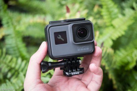 Tren tay GoPro HERO5 Black: Quay 4k 30fps, gon nhe, de dung, co GPS, gia re, do hoan thien chua tot - Anh 12