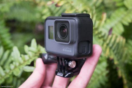 Tren tay GoPro HERO5 Black: Quay 4k 30fps, gon nhe, de dung, co GPS, gia re, do hoan thien chua tot - Anh 13