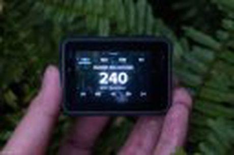 Tren tay GoPro HERO5 Black: Quay 4k 30fps, gon nhe, de dung, co GPS, gia re, do hoan thien chua tot - Anh 6