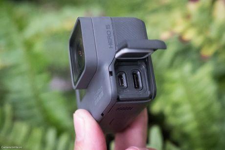 Tren tay GoPro HERO5 Black: Quay 4k 30fps, gon nhe, de dung, co GPS, gia re, do hoan thien chua tot - Anh 9