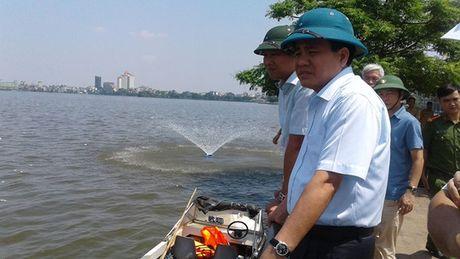 Clip Chu tich Ha Noi truc chien xu ly vu ca chet trang Ho Tay - Anh 4