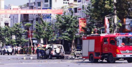 Quang Ninh: Xe o to no nat vun khien 2 nguoi chet - Anh 2