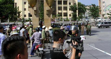 Quang Ninh: Xe o to no nat vun khien 2 nguoi chet - Anh 3