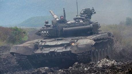Bao Nga: Viet Nam muon mua 100 chiec tang T-90 - Anh 1