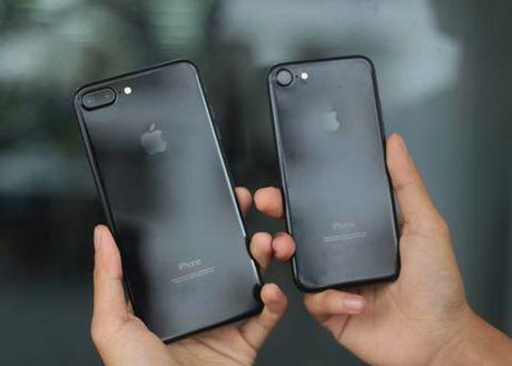 iPhone 7 Jet Black thieu hut nghiem trong vi kho san xuat - Anh 1