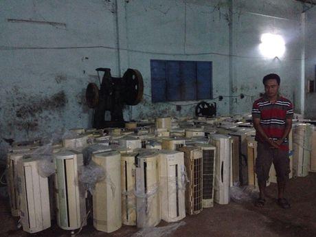Khoi to 2 chu hang nhap lau 6 container hang hoa - Anh 5
