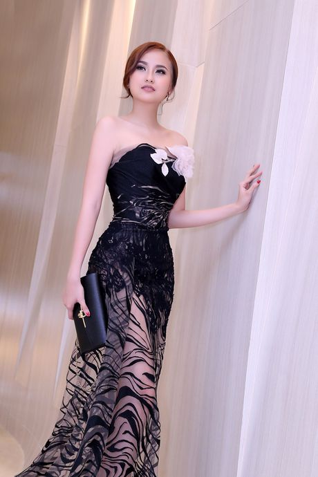 Hoc tro cua Pham Huong dep 'hut hon', quyen ru Nam vuong Van Son - Anh 7