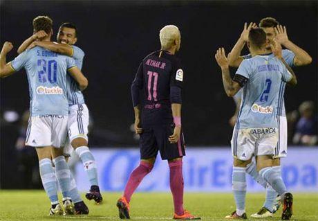 Celta Vigo 4-3 Barca: Con ac mong cho nha vo dich - Anh 1