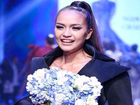 Quan quan 'Vietnam's Nextop Model 2016': Ngoc Chau va viec lam bi mat truoc luc dang quang - Anh 1