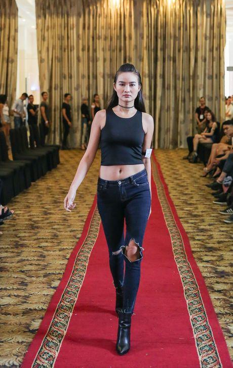Quan quan 'Vietnam's Nextop Model 2016': Ngoc Chau va viec lam bi mat truoc luc dang quang - Anh 5