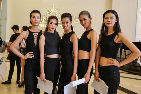 Quan quan 'Vietnam's Nextop Model 2016': Ngoc Chau va viec lam bi mat truoc luc dang quang - Anh 6