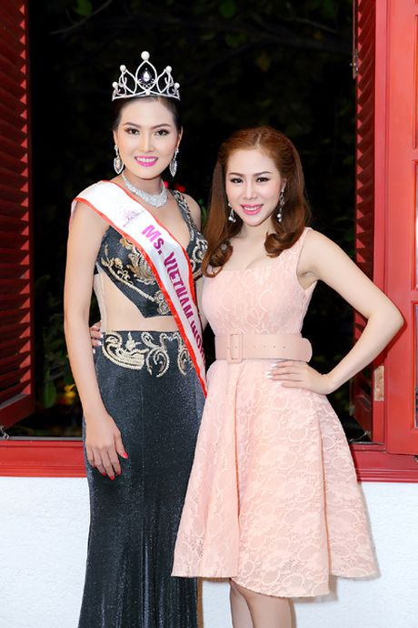 Hoa hau Kim Thoa rang ngoi trong tiec mung sinh nhat - Anh 5