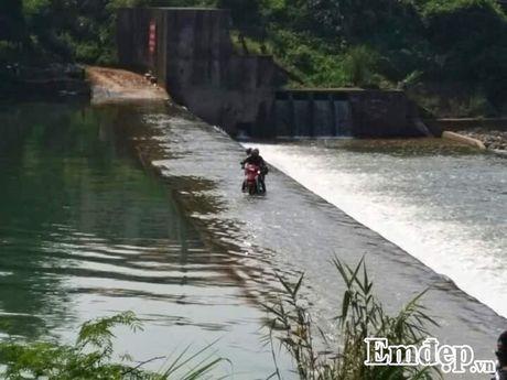 Vuot 'song lung khung long' trek moc 1305 nhu dan phuot chuyen nghiep - Anh 1