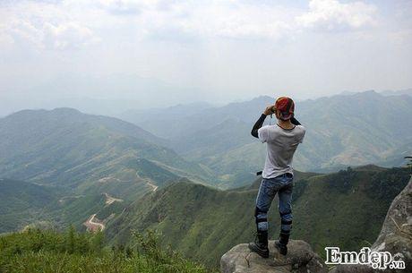 Vuot 'song lung khung long' trek moc 1305 nhu dan phuot chuyen nghiep - Anh 4
