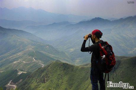 Vuot 'song lung khung long' trek moc 1305 nhu dan phuot chuyen nghiep - Anh 5