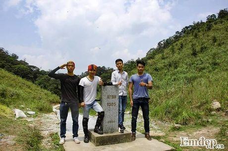 Vuot 'song lung khung long' trek moc 1305 nhu dan phuot chuyen nghiep - Anh 7