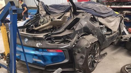 Sieu xe BMW i8 cua thieu gia Ha Thanh dap chieu sau 1 nam mua ve - Anh 1