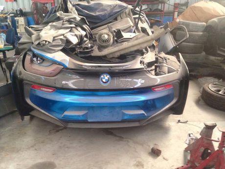 Sieu xe BMW i8 cua thieu gia Ha Thanh dap chieu sau 1 nam mua ve - Anh 2