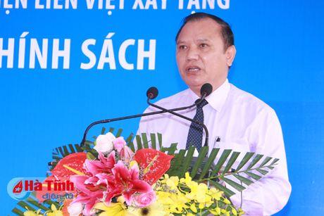 Lien Viet Post Bank tai tro 19,5 ty xay dung ha tang xa Son Tan - Anh 5