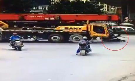 Tranh o to, biker 'do duong', nam gam xe cau - Anh 1