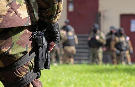 An ninh Nga bat si quan tinh bao Ukraina - Anh 1