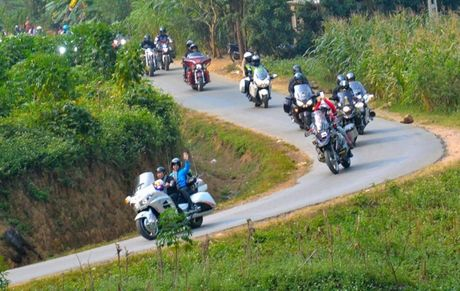 Bi kip 'song sot' khi phuot xe may tai Viet Nam cua phuot thu Anh - Anh 1
