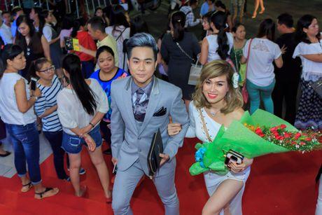 Quach Tuan Du lan dau cong khai ban gai khi di xem show Mr Dam - Anh 2