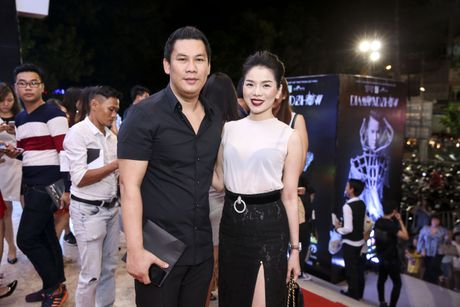 Quach Tuan Du lan dau cong khai ban gai khi di xem show Mr Dam - Anh 6