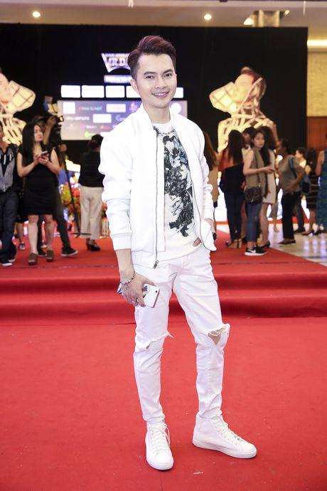 Quach Tuan Du lan dau cong khai ban gai khi di xem show Mr Dam - Anh 9