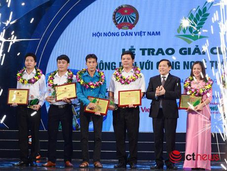 Nong dan tinh Hoa Binh gianh giai Nhat cuoc thi 'Nong dan voi CNTT' 2016 - Anh 1