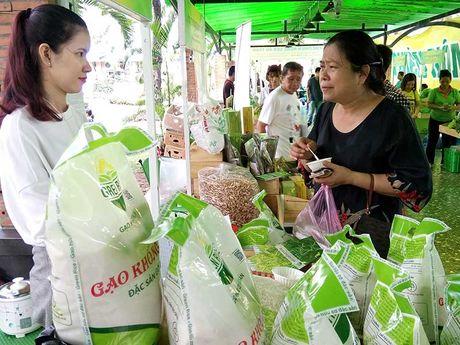 Nhieu lo hang gao Viet bi tra ve: Khac phuc ra sao? - Anh 1