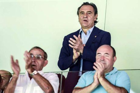 Valencia chao don HLV Prandelli bang... 1 tran thua - Anh 2