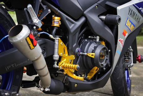 Yamaha YZF-R3 len nhieu do choi cua biker Viet - Anh 7