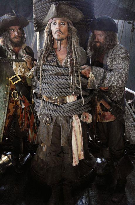 Johnny Depp vang mat trong trailer 'Cuop bien Caribe 5' - Anh 2