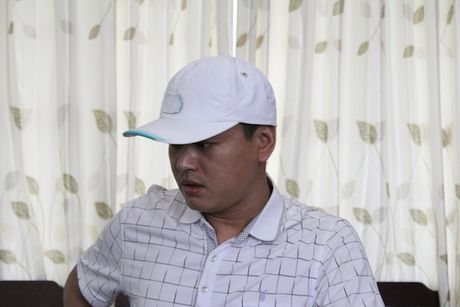Nghi pham lua 18 ty tron sang Viet Nam song cung nguoi tinh - Anh 2