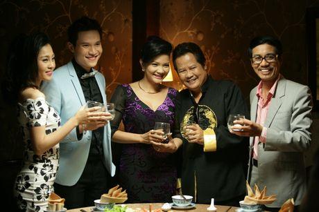 Vo chong 'Hai Lua' Thanh Nam - Xuan Huong tai ngo trong phim - Anh 1