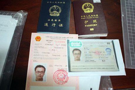 Bat 'doanh nhan' TQ lua 18 ty tron sang Viet Nam - Anh 1