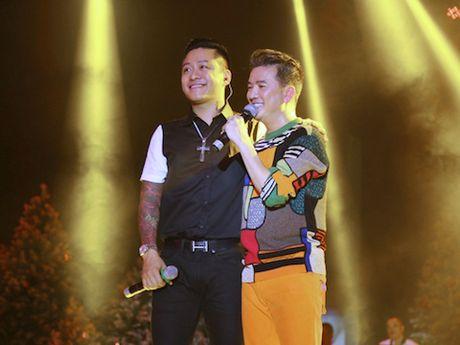 'Diamond Show' cua Dam Vinh Hung: Con it 'kim cuong' - Anh 2