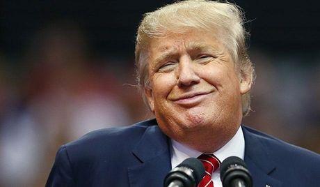 Donald Trump cao tay lo 'chay an', khong quen keo Hillary Clinton 'xuong vuc' - Anh 1