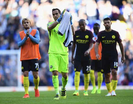 The thao 24h: Man City thua tran dau tien trong mua giai - Anh 1