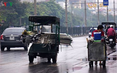 Xu ly xe cho hang cong kenh: Xin dung 'bat coc bo dia' - Anh 1