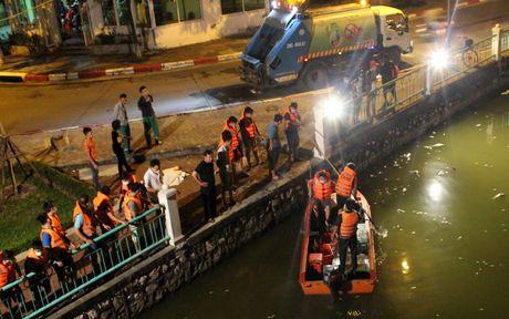 Hinh anh: Hang tram nguoi trang dem vot ca chet o Ho Tay - Anh 14