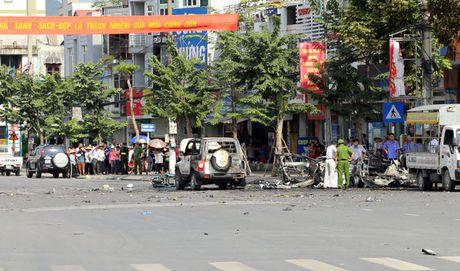 Can canh hien truong vu no xe taxi o Quang Ninh - Anh 1
