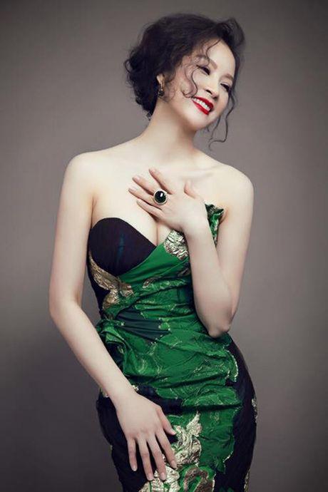 My nhan Viet U40, U50 an van goi cam quen tuoi tac - Anh 1